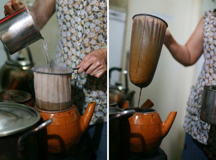 Cheo Leo vẫn gìn giữ cách pha chế cà phê rất cũ của người Sài Gòn