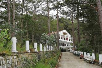 Ngôi nhà ma - biệt thự cũ của nhà văn Nhất Linh - Ảnh: MAI VINH