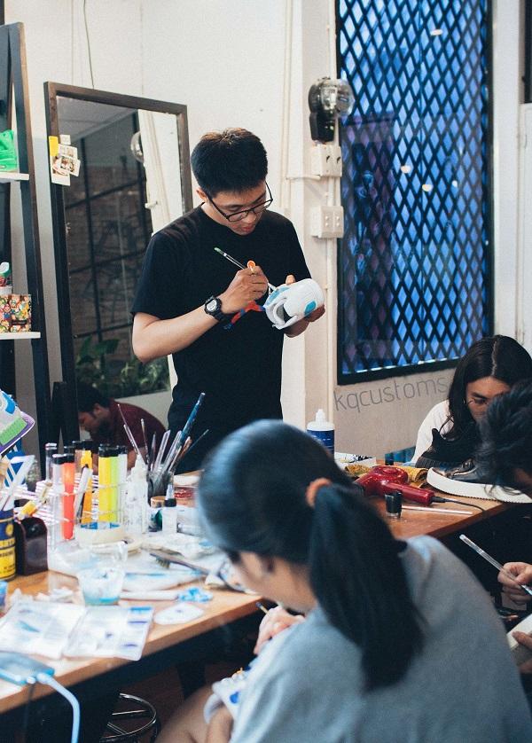 """Kiệt Quách - anh chàng 9x người Sài Gòn đang """"thổi hồn"""" cho rất nhiều sneaker của bạn trẻ Việt"""