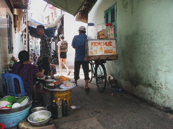 Hẻm nhỏ Sài Gòn - Ảnh: Philip Genochio