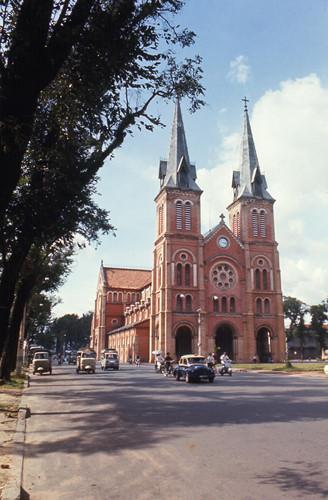 Nhà thờ Đức Bà. Ảnh: Carl Nielsen.