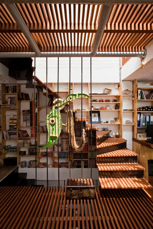 Cầu thang gỗ thanh thoát