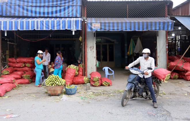 Từ chợ bắp ở đây, bắp được chuyển khắp nơi của thành phố và một số khu vực lân cận.