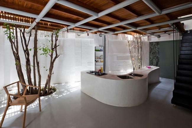 Thiết kế ưu việt của ngôi nhà được trang tạp chí ArchDaily dành khá nhiều lời ngợi khen.