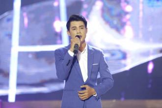 3. Manh Nguyen - don ca (8)
