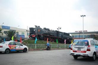Theo đề xuất này, ga Sài Gòn sẽ được cải tạo theo kiến trúc có cổng vòm, hoa văn cách điệu mái hiên, gạch bông kiểu xưa để lát nền nhà ga và các quán café,... xen kẽ là các mảng xanh và tái hiện phong cách Sài Gòn xưa.