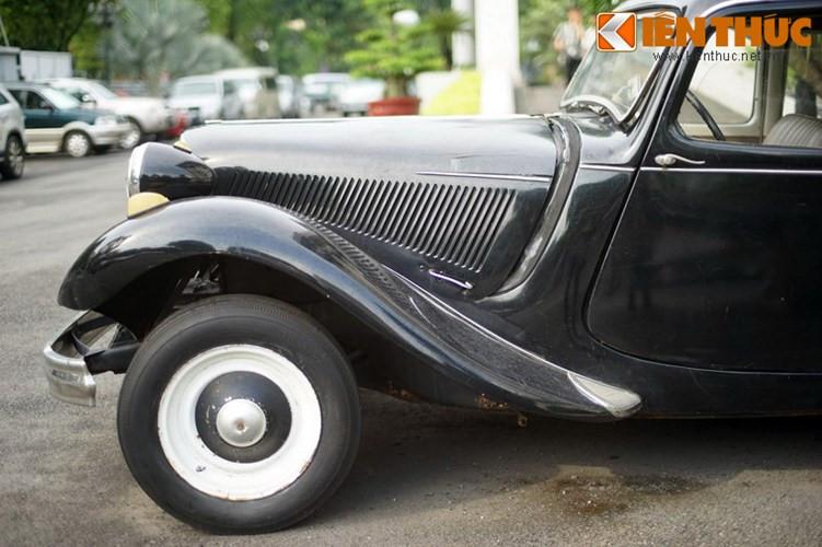 Tại Việt Nam, Citroen Traction Avant là một trong những mẫu xe được giới sưu tầm xe cổ ưa chuộng nhất, không chỉ bởi độ tuổi lâu đời mà bởi thiết kế của xe - đặc biệt là những đường cong duyên dáng mềm mại của chiếc xe vẫn khó có những mẫu xe nào ngày nay có thể sánh được.