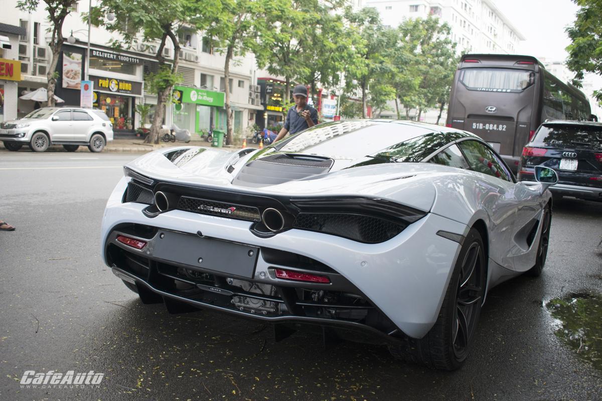 Hiện tại, McLaren 720S là đối thủ trực tiếp của Lamborghini Aventador, Ferrari F12 hay Aston Martin Vanquish