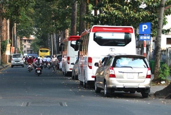 Ô tô đỗ trên lòng đường trung tâm TPHCM có thể phải trả 40.000 đồng/giờ vào ban ngày