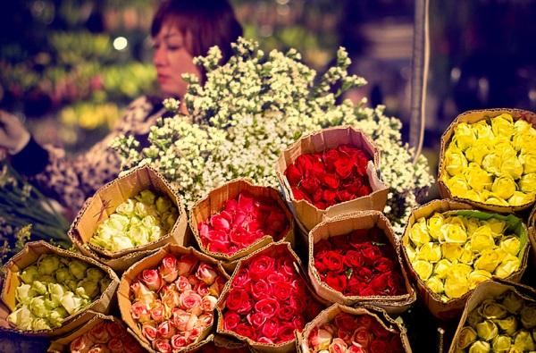 Chợ hoa Hồ Thị Kỷ (Ảnh: Abay)