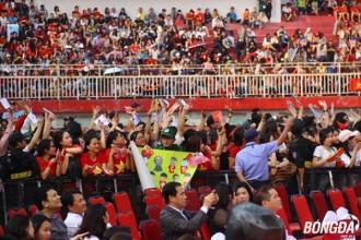 Hàng chục ngàn khán giả đã sớm có mặt bên trong sân vận động Thống Nhất trước hàng giờ trước buổi giao lưu cùng các tuyển thủ U23 Việt Nam. Ảnh: Đình Viên.