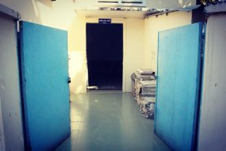 Khu vực nhà đại thể tại bệnh viện Nhi Đồng 1 nằm lặng lẽ ở cổng sau của bệnh viện. PHAN ĐỊNH