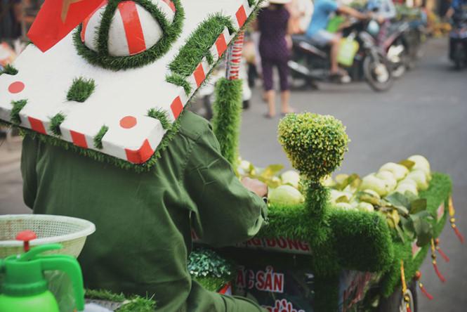 Trên chuyến xe ngày ngày mưu sinh, anh Hiển chở luôn cả những niềm vui nho nhỏ và giản dị như thế giữa Sài Gòn.