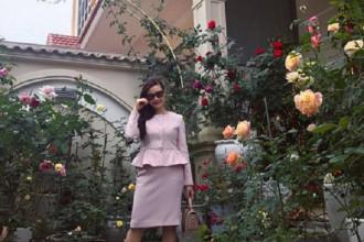 Căn biệt thự phủ kín hoa hồng này thuộc sở hữu của chị Mai Linh ở Hòa Bình. Ảnh: Đời sống & Pháp lý.