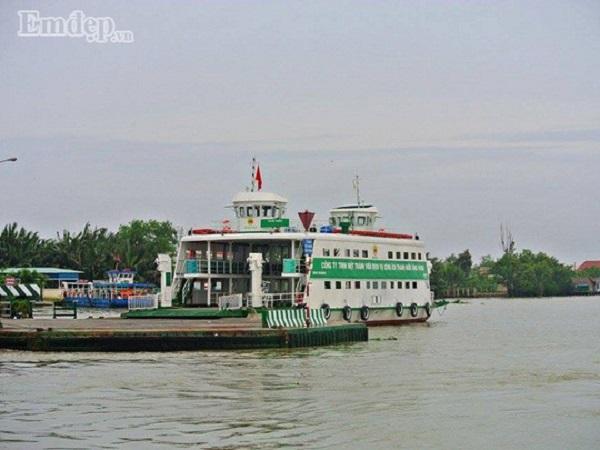 Đi Thạnh An phải qua phà Bình Khánh để đến Cần Giờ.