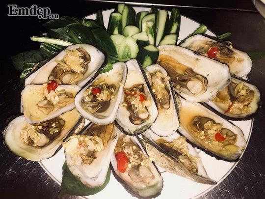 Về đồ ăn ngoài đảo thì tất nhiên phải kể đến hải sản.