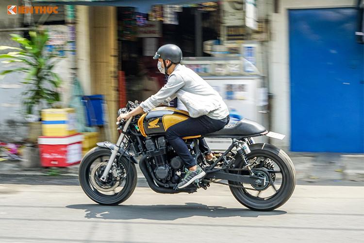 Ra đời từ năm 1969, mẫu môtô Honda CB750 là một trong những dòng naked-bike đặc trưng nhất của hãng xe máy Honda. Tại Việt Nam, những chiếc CB750 thường thuộc thế hệ F7 với kiểu dáng naked-bike thuần, hướng tới sự thoải mái khi lái và phần nào đó có thể coi là phiên bản lớn hơn của dòng môtô CB400 Super Four nổi tiếng.