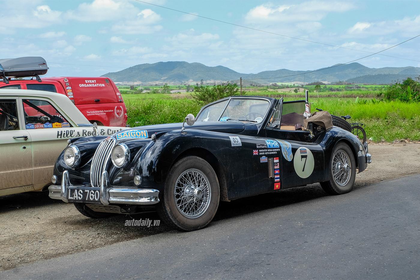 jaguar-xk140-dhc-1955-12