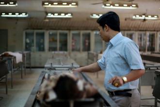 Anh Đỗ Thành Nhân, người có hơn 20 năm làm nghề trông giữ tử thi NGỌC DƯƠNG