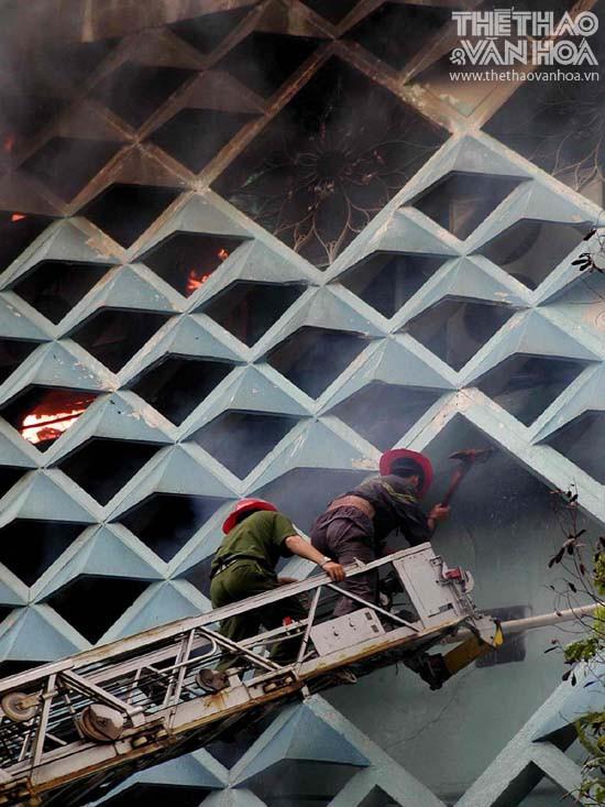 Vụ cháy kinh hoàng ở tòa nhà ITC đã để lại những hậu quả hết sức nặng nề. Ảnh: Thể thao và Văn hóa
