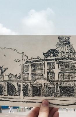 """Là một trong những công trình lâu đời ở Sài , góp phần tạo nên """"Hòn ngọc Viễn Đông"""" của châu Á, thương xá Tax đã gắn liền với ký ức của nhiều người. Sinh viên Đại học FPT đã vẽ lại hình ảnh Thương xá Tax vào năm 1934, khi tên của công trình - Les Grands Magazins Charner (GMC) – được gắn lên trên toà nhà. Thương xá Tax được xây dựng theo phong cách kiến trúc Pháp với những nét chấm phá mang đậm đường nét văn hóa Á Đông. (Tác giả: Sinh viên Trần Nguyễn Nhật Minh)."""