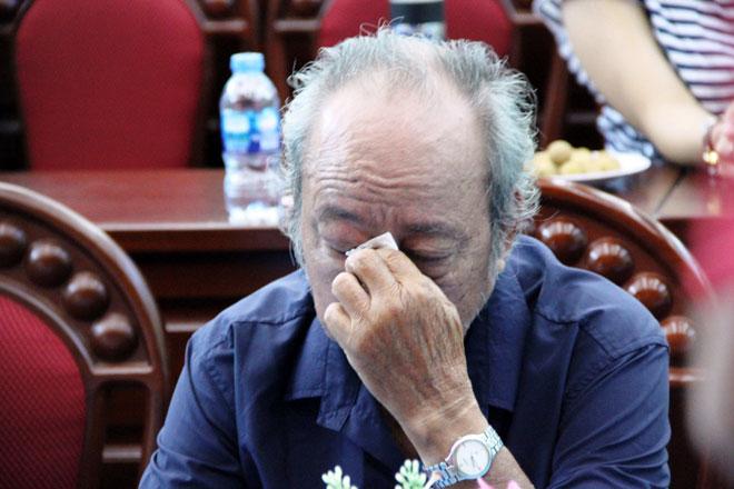 Nhiều người bật khóc khi kể lại thảm họa Carina