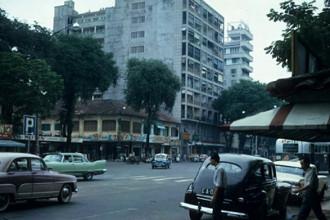 Một góc đại lộ Nguyễn Huệ, Sài Gòn năm 1963. Ảnh: Vietnam Center and Archive.