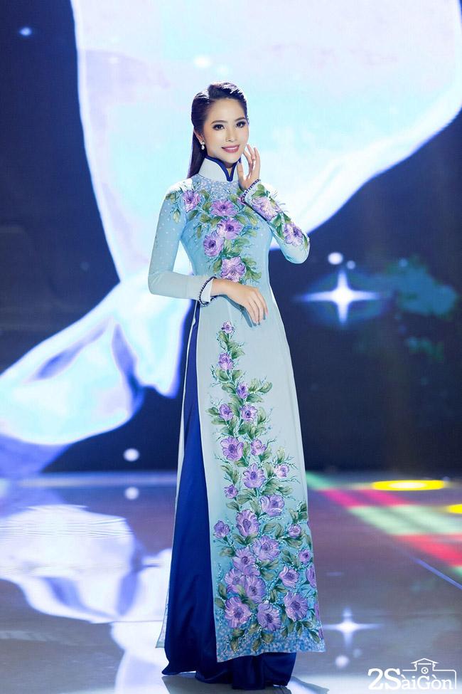 Hoa hau ao dai Duong Kim Anh (1)