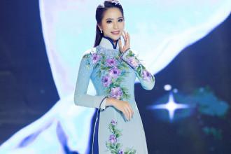 Hoa hau ao dai Duong Kim Anh