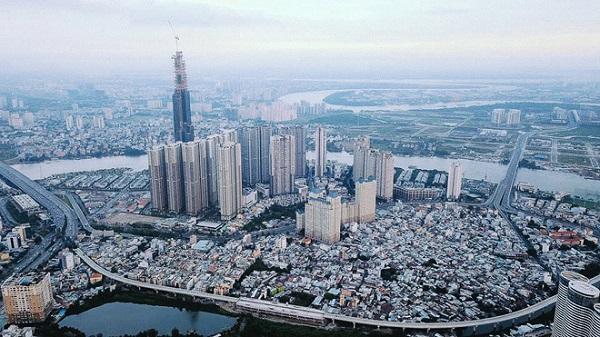 Landmark 81 nằm trong một khu đô thị tại cửa ngõ phía đông Sài Gòn (đường Nguyễn Hữu Cảnh, quận Bình Thạnh, TP. HCM), đây được xem là một trong những công trình hiện đại và cao cấp bậc nhất Việt Nam ở thời điểm hiện nay.