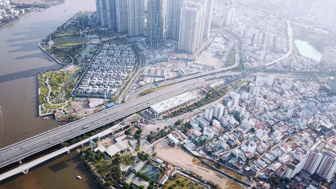 """Khu vực xung quanh tòa nhà cao """"chọc trời"""" ở Sài Gòn"""