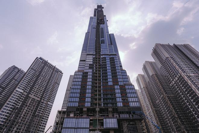 Kiến trúc tòa nhà được lấy cảm hứng từ hình ảnh bó tre truyền thống với dáng vươn cao. Chiều cao 461m của tòa tháp Landmark 81 sắp soán ngôi vị toà nhà cao nhất Việt Nam của toà nhà Landmark 72 ở Hà Nội.