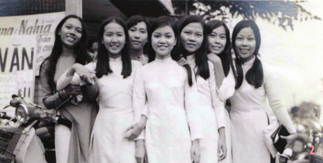 Họ đại diện cho sự đẹp đẽ, trí thức của con gái Sài Gòn xưa.
