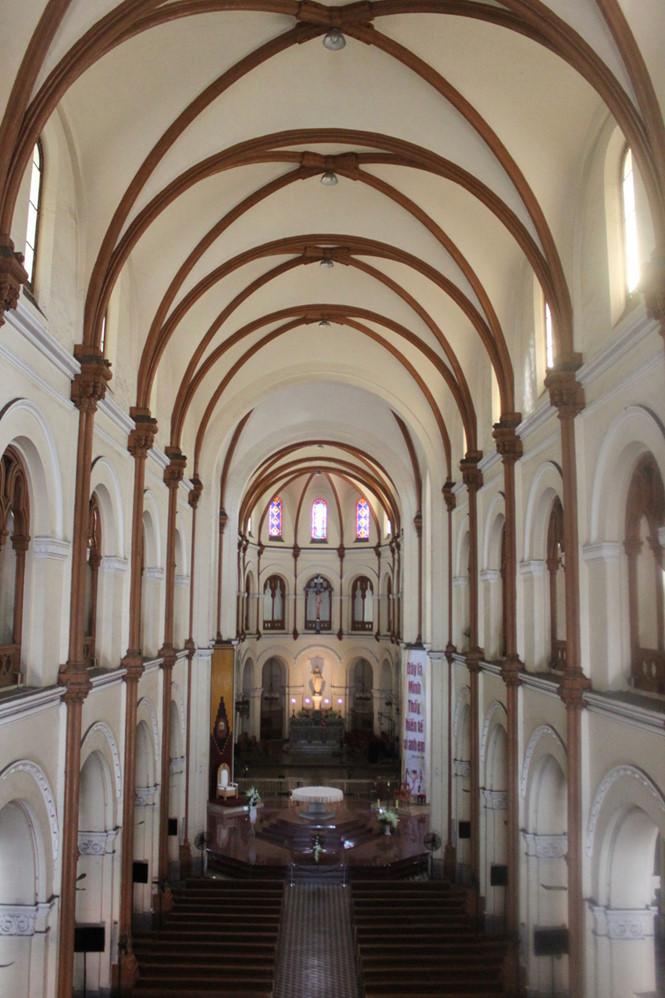 Nội thất kiến trúc nhà thờ Đức Bà 138 năm tuổi tọa lạc giữa trung tâm TP.HCM ẢNH: ĐÌNH PHÚ
