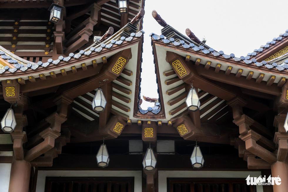 Kiến trúc mang hơi hướng những ngôi chùa bên Nhật Bản - Ảnh: MINH HẢI