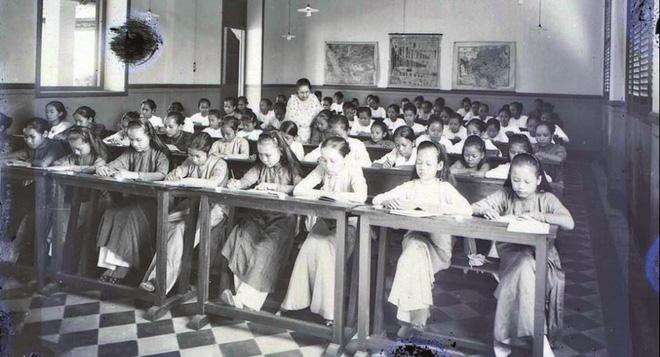 Thuở ban đầu, trường nữ sinh Gia Long chỉ có 42 học sinh.