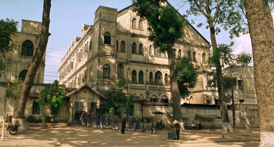 Tu viện Thánh Paul (Cũ) tại góc đường Tôn Đức Thắng giao Nguyễn Hữu Cảnh.