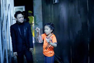 1.Be Kim Anh - con gai NS Nguyen Van Chung tap dot tiet muc ao thuat (4)