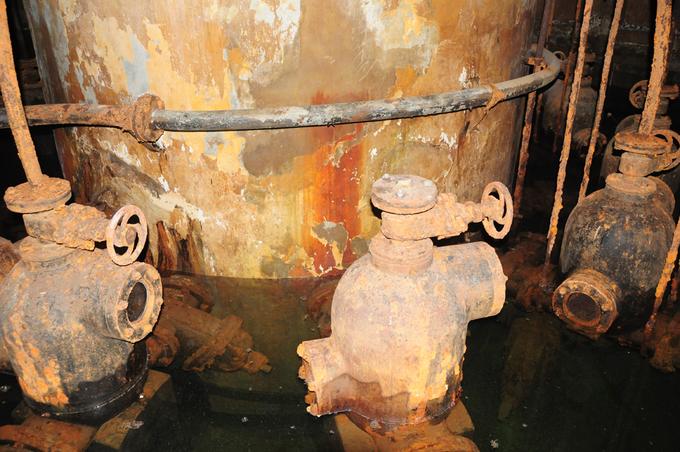 Mục đích các giếng cạn là khai thác nước ngầm ở tầng nông, bơm tập trung về các giếng trung tâm xử lý (khử trùng) và phân phối cho người sử dụng.