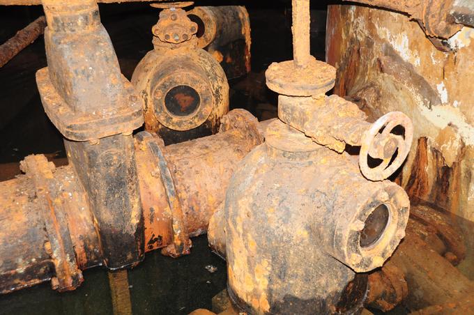 Giếng cạn Gò vấp được xây năm 1923 đặt tại công viên Gia Định là một trong 6 giếng cổ nhất vẫn còn tồn tại với bồn chứa và các đường ống đã bắt gỉ sét.
