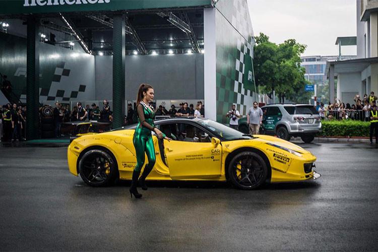 """Siêu xe Lamborghini Huracan LP610-4 màu vàng biển """"tứ quý"""" 8 độ Hamann độc nhất Việt Nam xuát hiện tại sự kiện. Đây cũng là chiếc siêu xe dẫn đoàn hành trình Car & Passion 2018 vừa qua."""