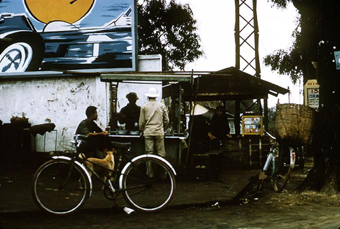 Ẩm thực đường phố bán trên xe đẩy đã có từ hàng chục năm trước.