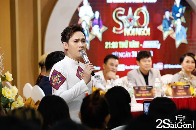 Ca si Nguyen Vu tra loi phong van