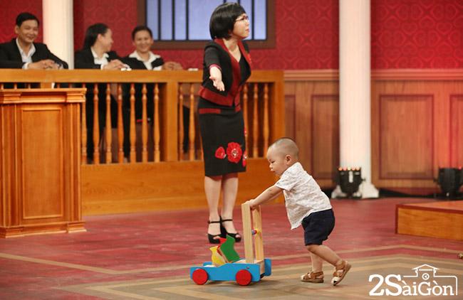 HTV2 - Photos TAP 4 - PHIEN TOA TINH YEU (14)