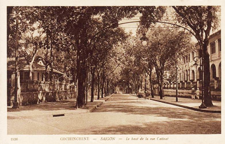 Đường Catinat nhìn từ ngã tư Catinat - De Lagrandière, Dinh Thượng thư Nội vụ nằm bên phải. Ảnh tư liệu.