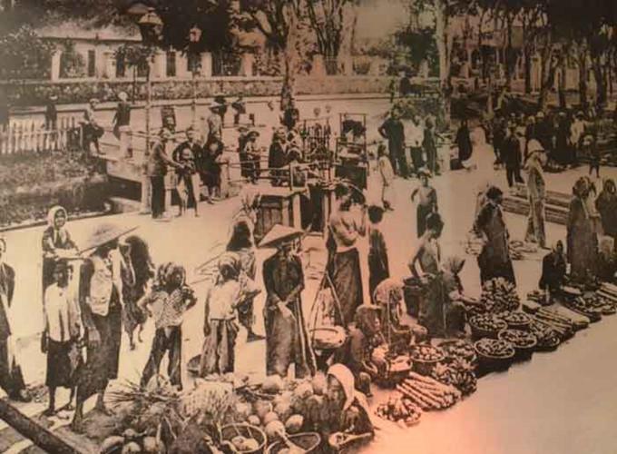 Cảnh họp chợ, buôn bán tại trung tâm chợ Lớn ngày xưa…