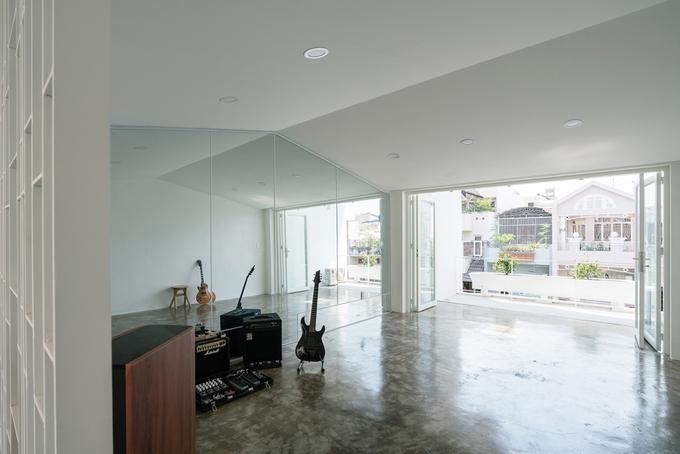 Không gian tầng bốn được dành để sau này bố trí phòng tập gym, chỗ chơi đàn.