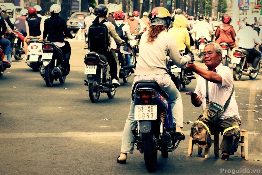 Giữa Sài Gòn tấp nập, phồn hoa… người ta thi thoảng vẫn bắt gặp những điều dễ thương nhỏ nhặt. Ảnh minh họa.