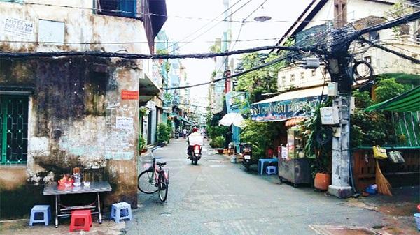 Hẻm 109 Nguyễn Thiện Thuật, khu Bàn Cờ, quận 3, nơi có quán cà phê Cheo Leo nổi tiếng ẢNH: P.T