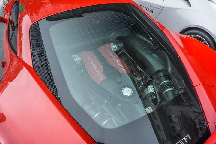 Xe có khả năng tăng tốc 0 - 100 km/h trong 3 giây và vận tốc tối đa đạt 330 km/h.